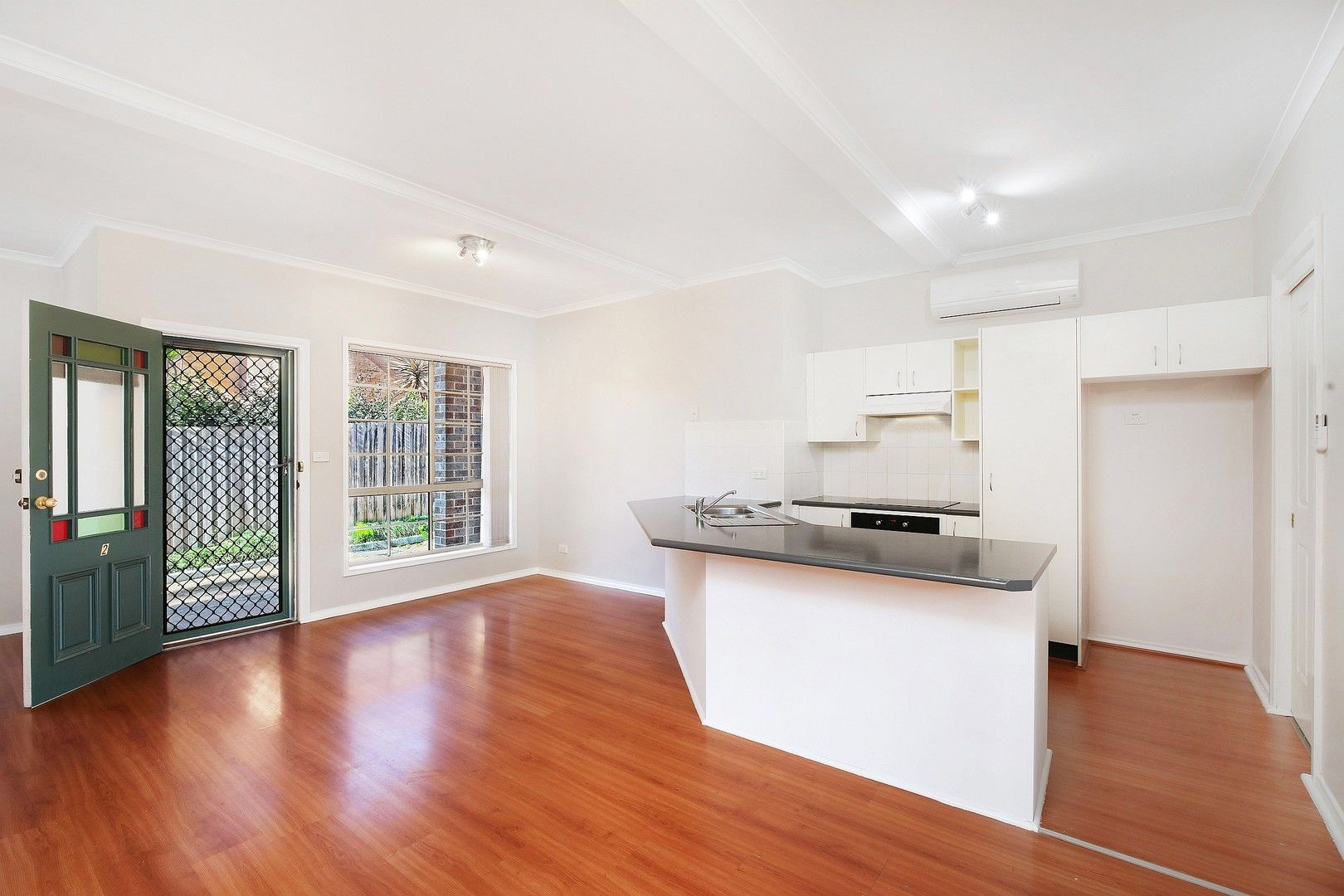 2/215 Brisbane Water Drive, Point Clare NSW 2250, Image 0