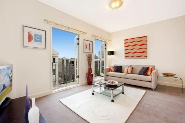 56/211 Wellington Parade South, East Melbourne VIC 3002, Image 2