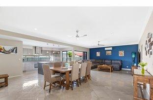 Picture of 7 Riviera Way, Mulambin QLD 4703