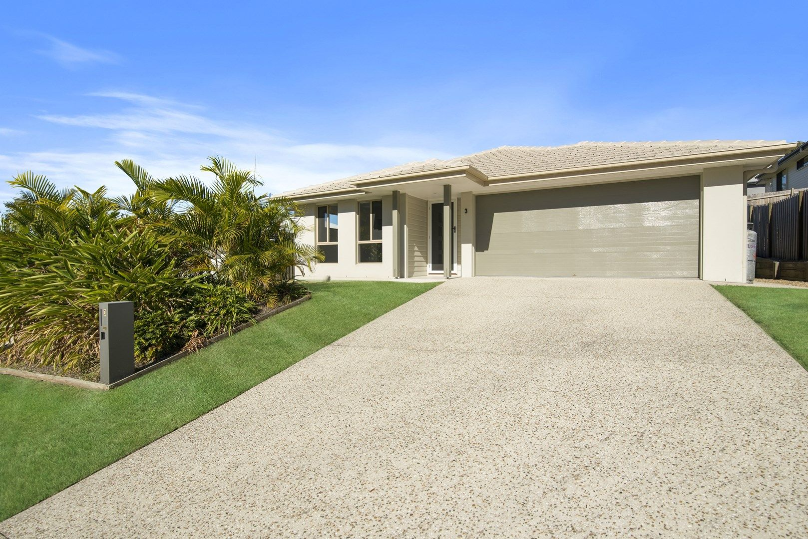 3 Logan Crescent, Oxenford QLD 4210, Image 0