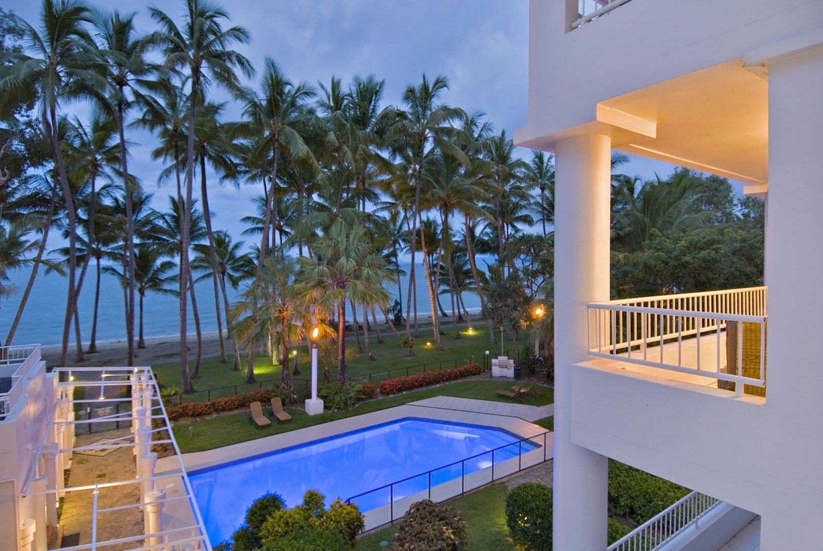 16 alamanda beachfront st palm cove qld 4879 apartment. Black Bedroom Furniture Sets. Home Design Ideas