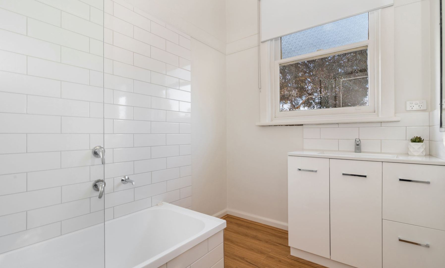 217 Neale Street, Flora Hill VIC 3550, Image 2